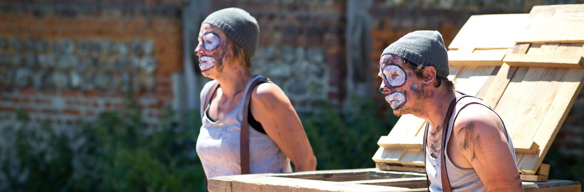 2 clowns sales en représentation