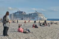Paquebot depuis la plage du Havre