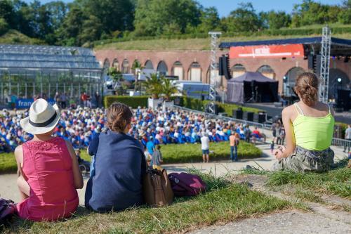 Vue sur la scène du festival Mozaïque aux Jardins suspendus
