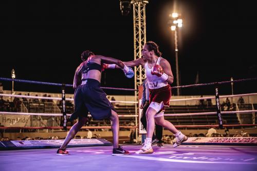 Amina Zidani remporte le titre de championne de France 2021 en boxe professionnelle