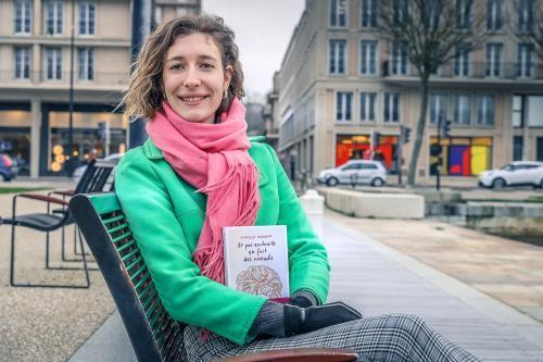 Camille Reynaud, auteur de Et par endroits ça fait des nœuds, aux éditions Autrement  (2021)